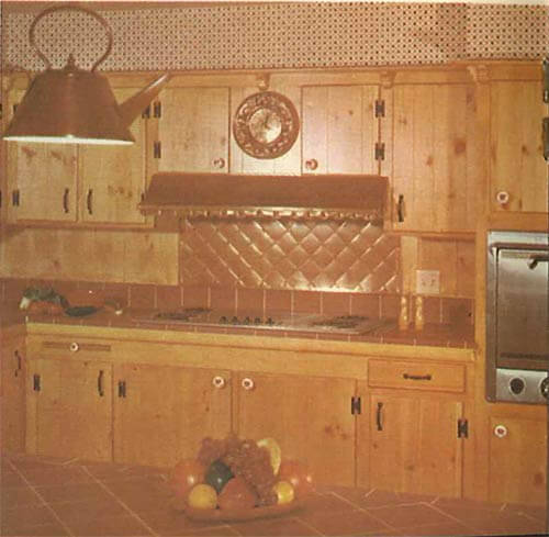 knotty-pine-kitchen-with-tea-kettle-lamp