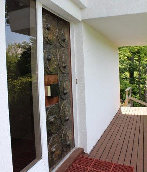 brutalist-mid-century-front-door