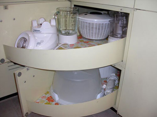 st-charles-cabinet-pull-out