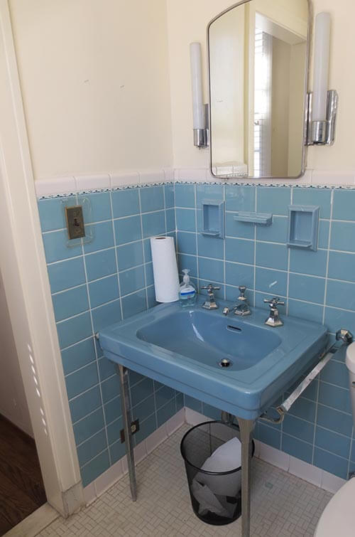 vintage-blue-wall-sink