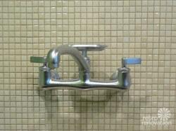 vintage-kitchen-faucet