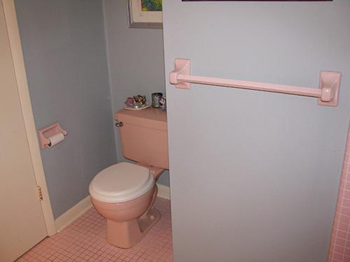 vintage-pink-toilet