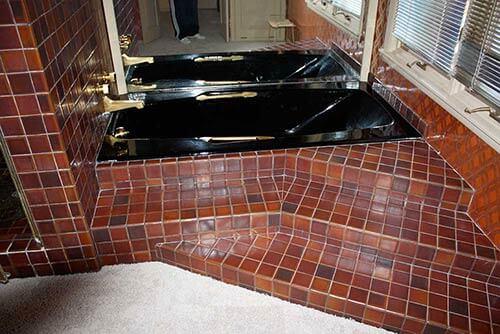 vintage-tiled-tub-area
