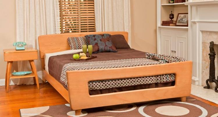 Heywood wakefield furniture still made new today in the for Retro style bedroom furniture