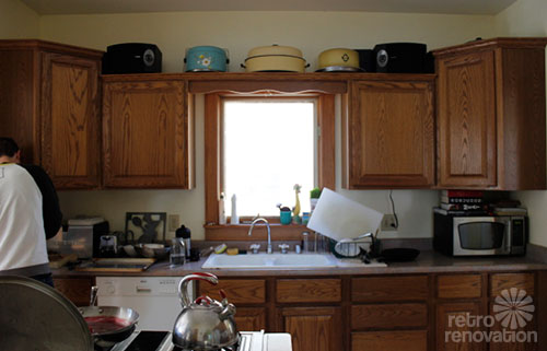 Emily Amp Drew Create A Charming 1940s Style Kitchen On A