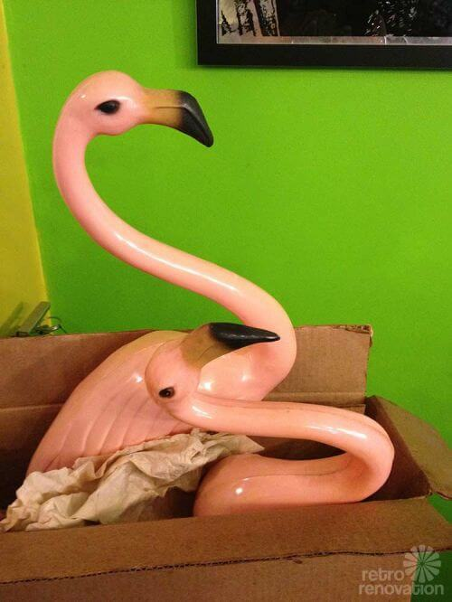 NOS-lawn-flamingoes