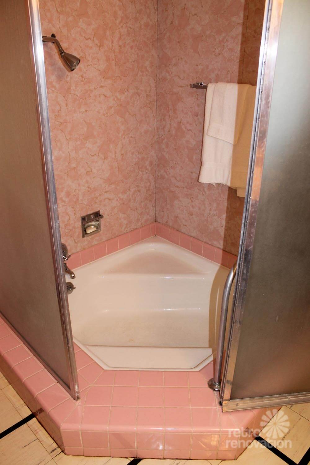 The pink bathroom at the wilson house temple texas for Restroom tub