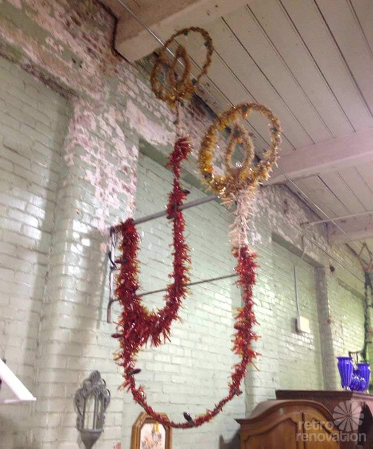 Vintage Christmas Light Decorations: Supersize Me, Santa: Vintage Main Street Christmas