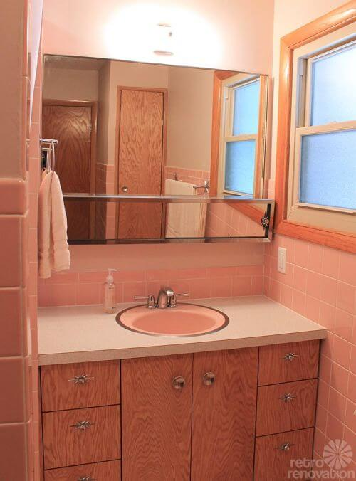 12 Reasons I Love My New Retro Pink Bathroom Kate S Pink