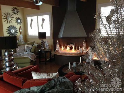 retro-fireplace-christmas