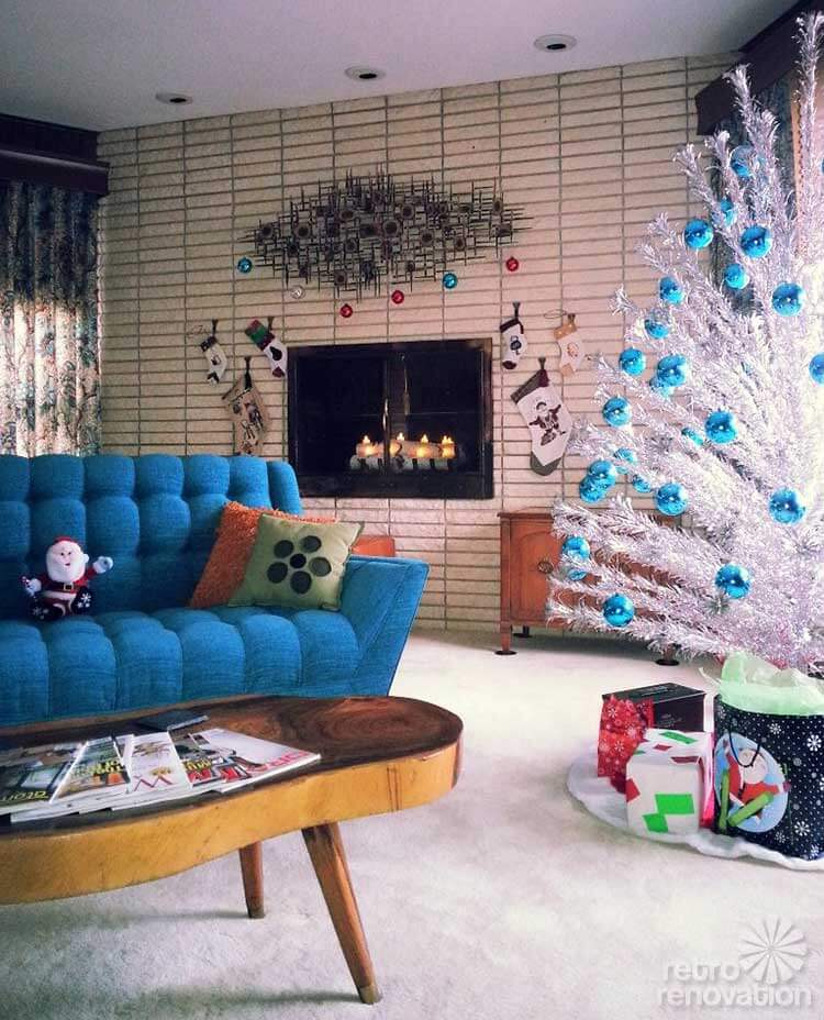 Vintage Decor: 16 Retro Christmas Decorating All Stars