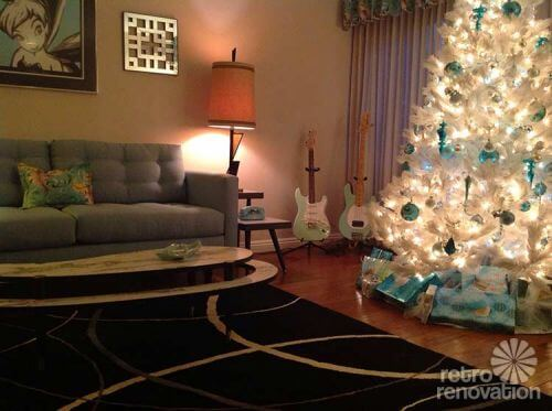 retro-white-christmas-tree