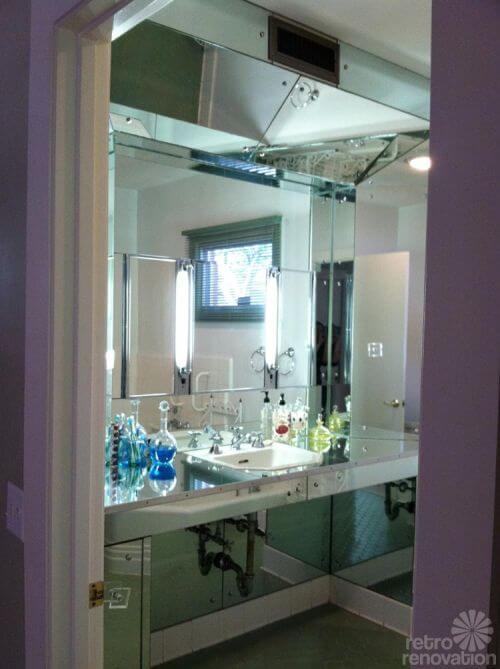 mirrored-bath-vanity-retro-mod