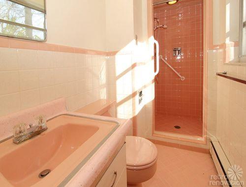 pink-vintage-bathroom
