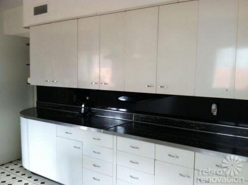retro-metal-kitchen-cabinets