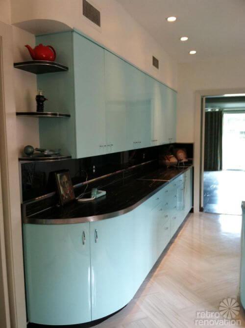 vintage-aqua-kitchen-cabinets