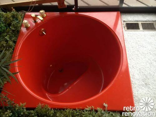 Kohler-70s-soaker-tub-red
