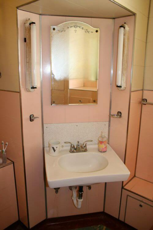 Noelle S 1930s Bathroom With Pink Panel Walls Retro