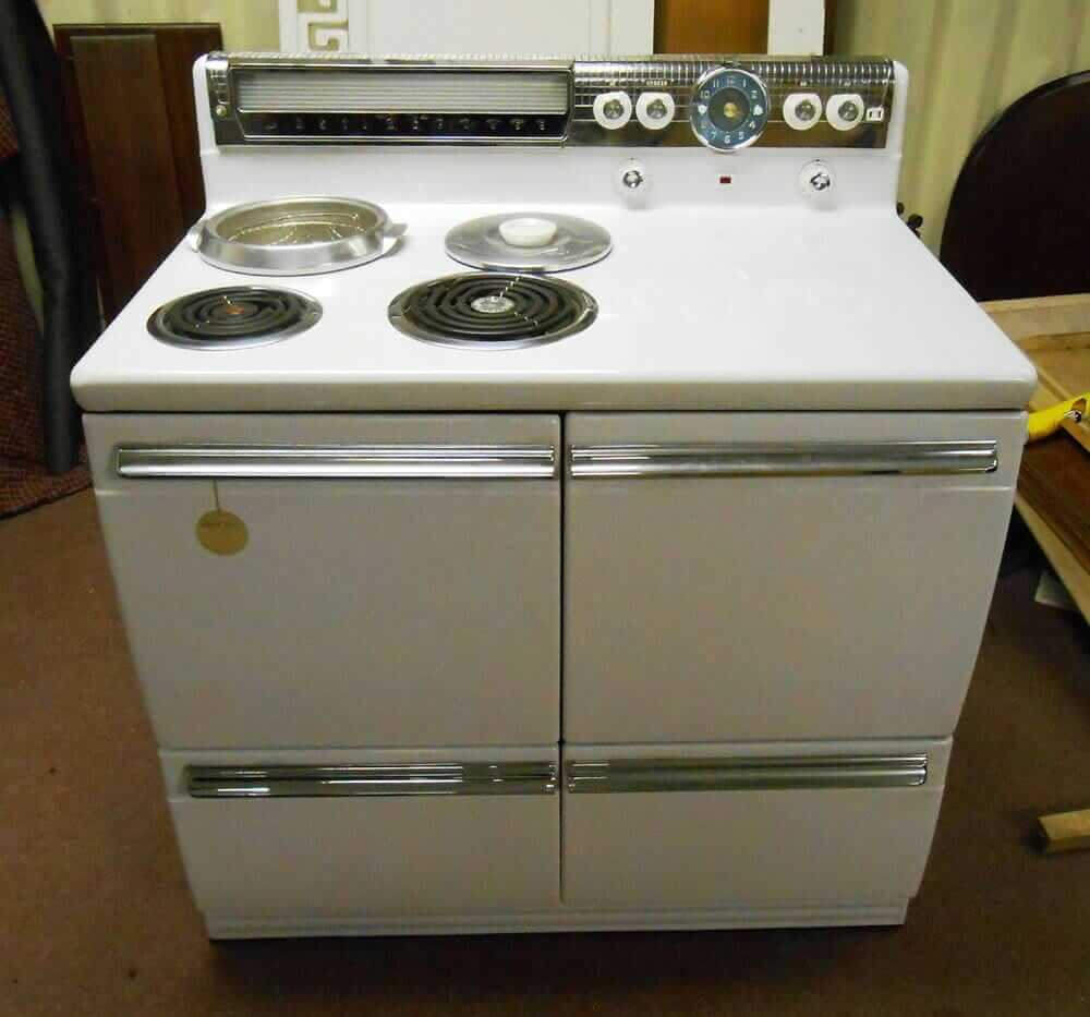 Vintage Electric Stoves ~ New old stock westinghouse dd range discovered after