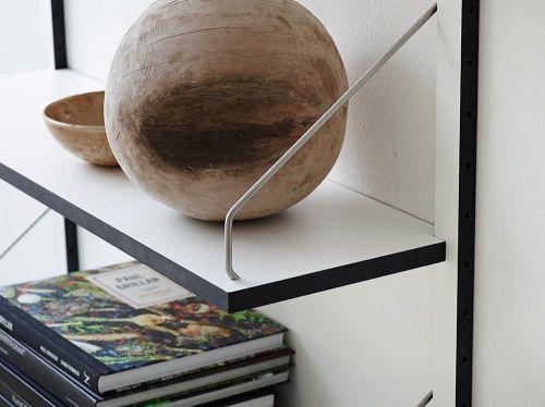 detail-midcentury-shelf