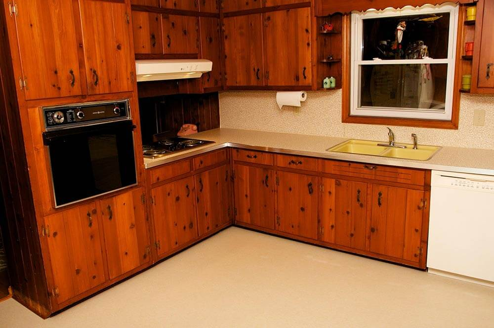 Amber 39 S 1961 Knotty Pine Kitchen Before And After Retro Renovation Retro Renovation