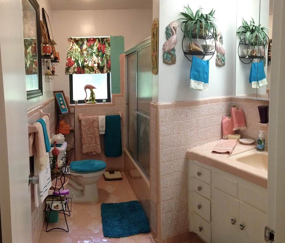 Ideas To Tone Down The Sea Of Pink In Gus Pink Bathroom Retro   Blue And