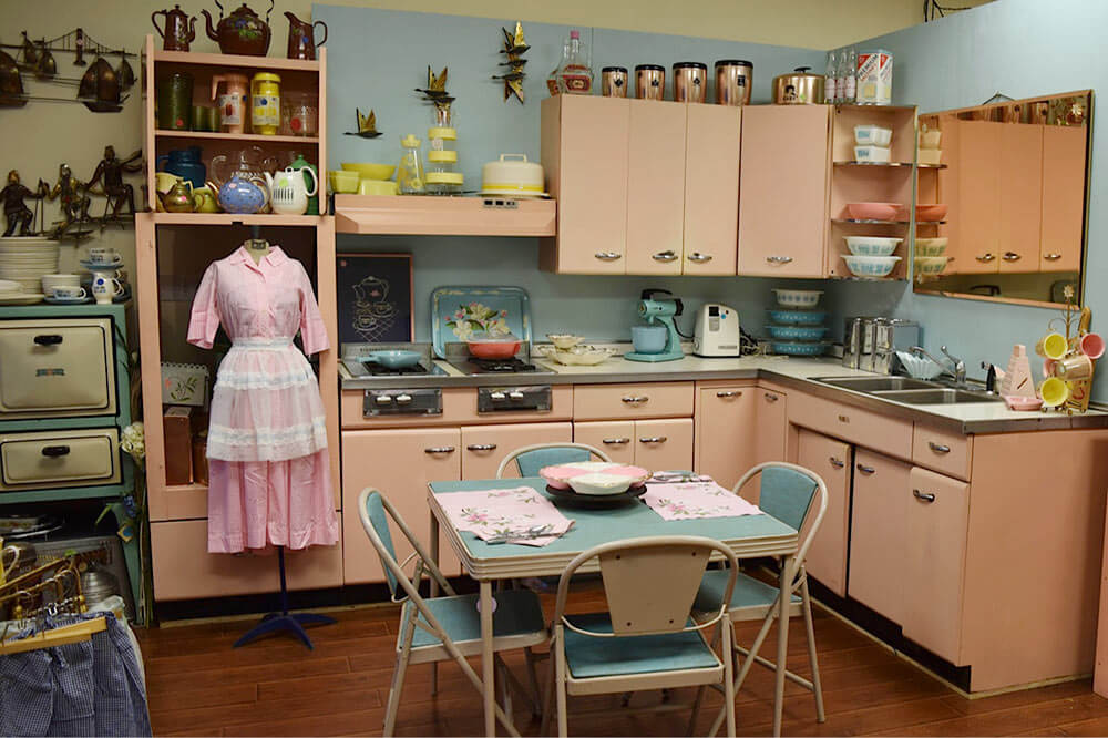 Amy saves a 1957 Harrison pink steel kitchen ? now on display in her