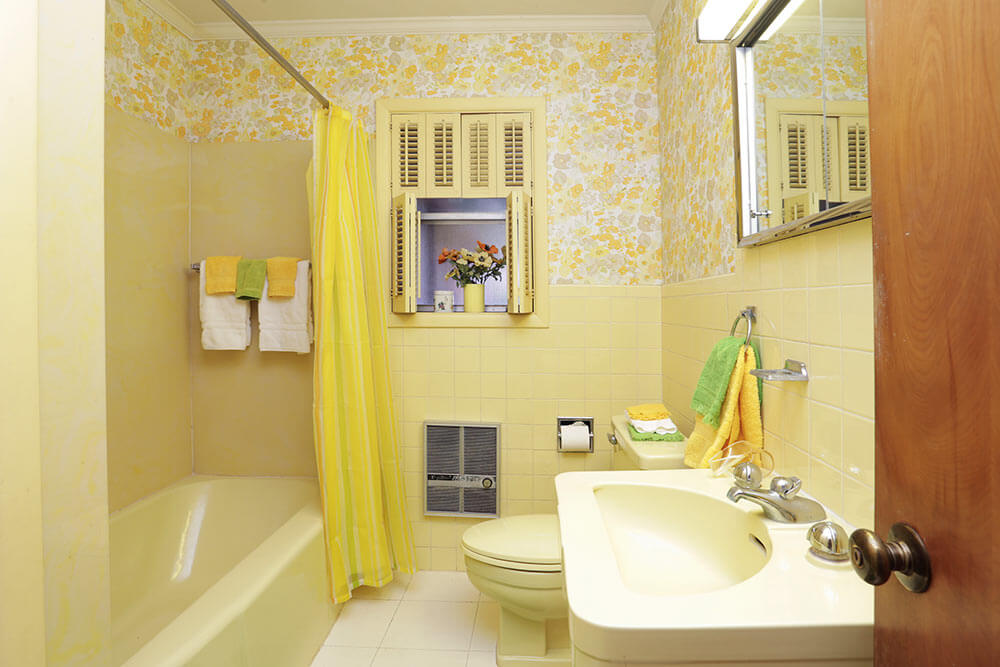1954 texas time capsule house interior design perfection for Bathroom ideas yellow tile