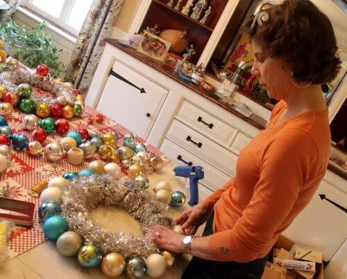 vintage-ornament-wreath-7