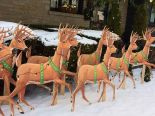 Mike makes a U-Bild Santa and reindeer lawn display from scratch — vintage plans still available today