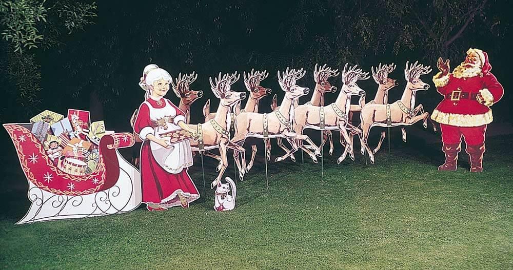 vintage santa lawn art
