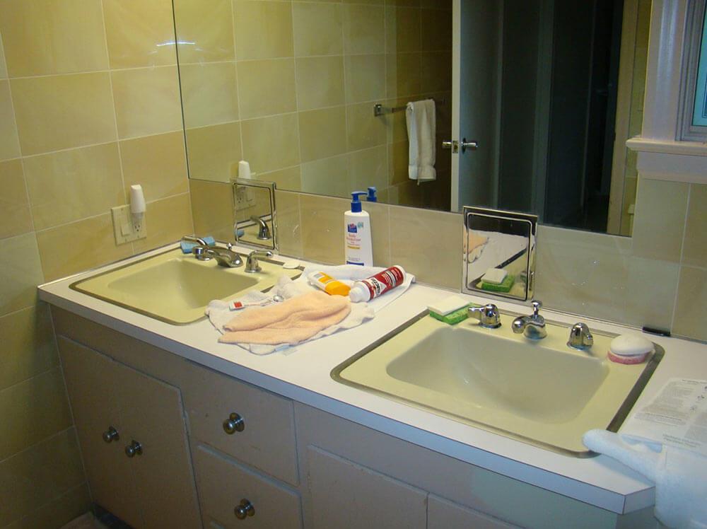 Paul Paints 3 Fiberglass Bathroom Sinks Different Colors
