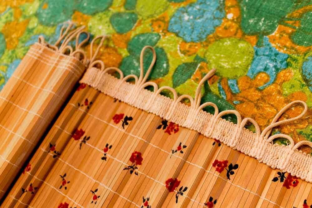 Vintage Bamboo Shades That Hang Horizontally On Curtain