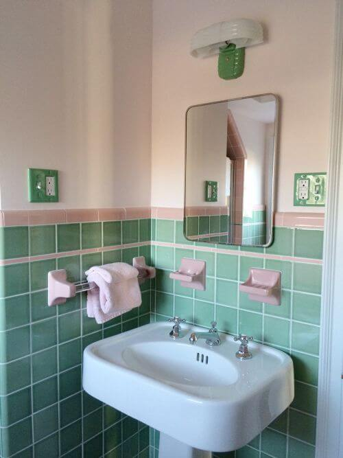 vintage green and pink bathroom