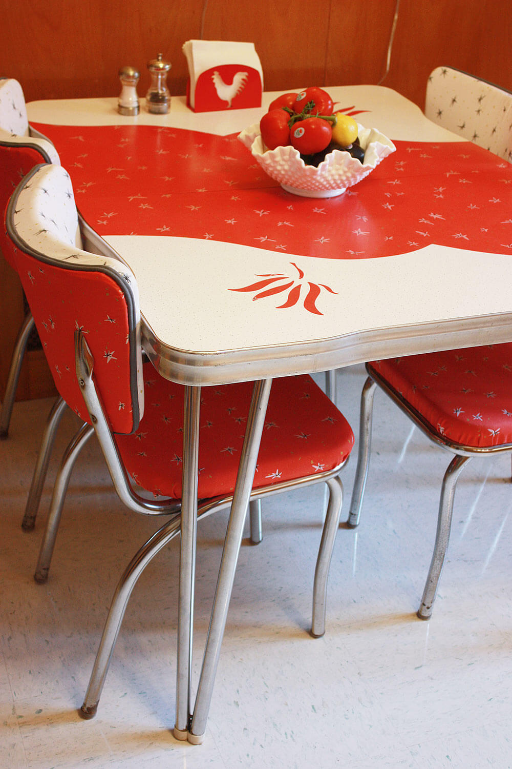 Frances and doug 39 s warm and inviting restored 1950s wood - Table cuisine retro ...