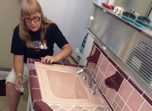 restore-pink-bathroom