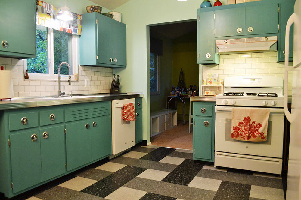 kitchen cabinets? Jessica's retro kitchen before and after - Retro