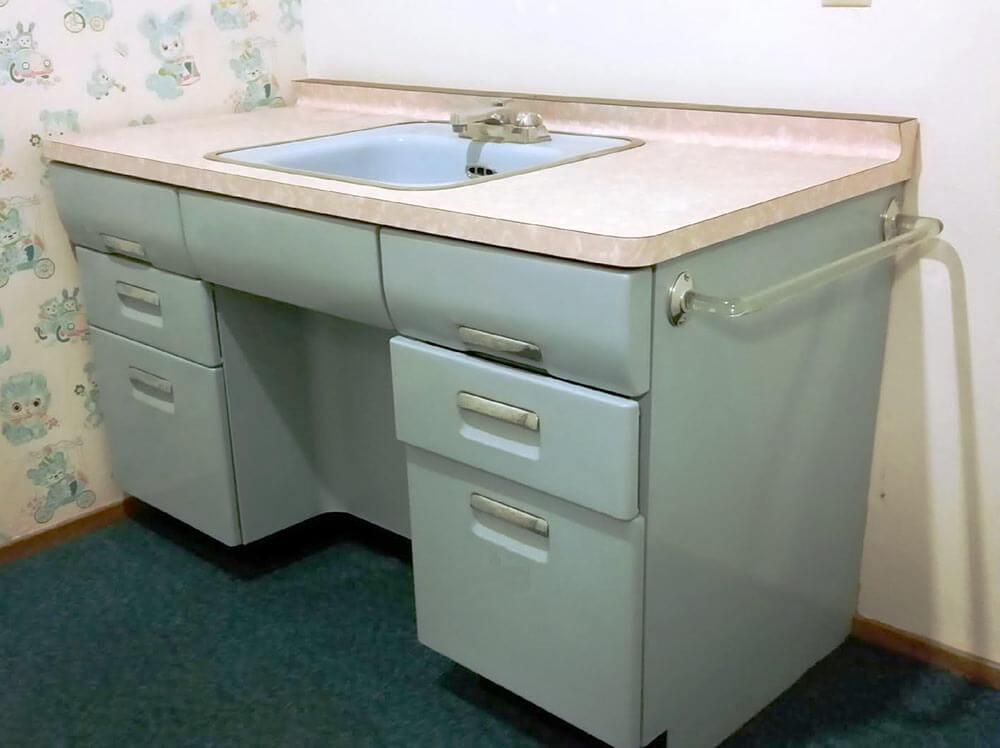 Five Vintage Lavanette Vanette Bathroom Vanities Oh My