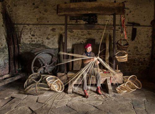 Judy-making-baskets