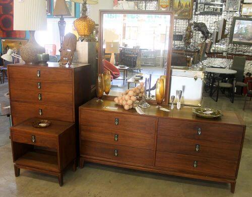 Vintage furniture stores