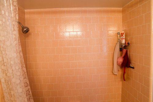 pink-bathroom-tile