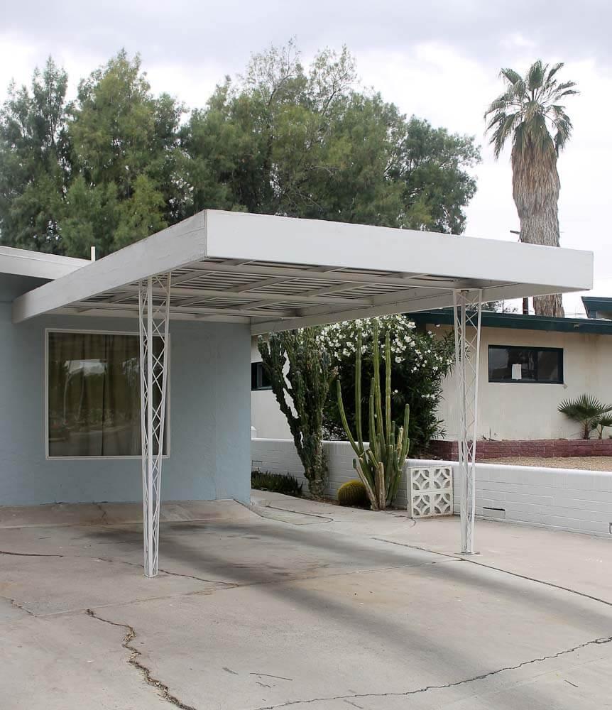 "Inside A House In Los Vegas: Inside ""Uncle Jack"" LeVine's Delightful Vintage Las Vegas"