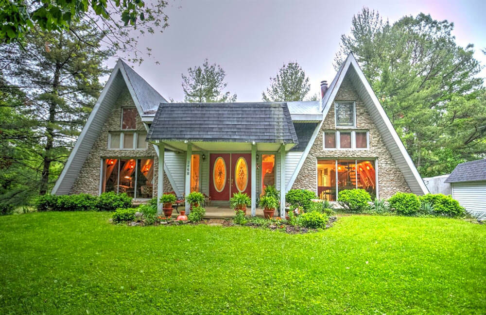 double A-frame time capsule house: Twice the fun! - Retro Renovation