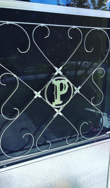 screen-door-initials-3