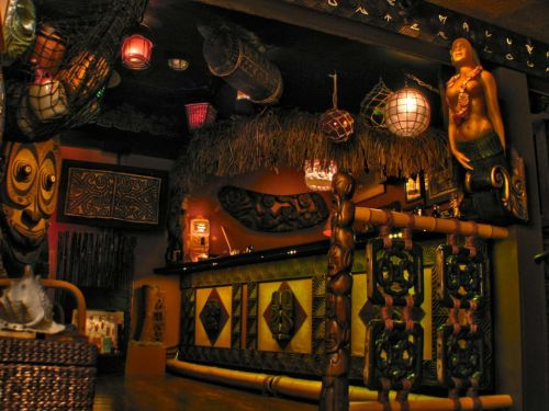 tim-glazner-tiki-bar
