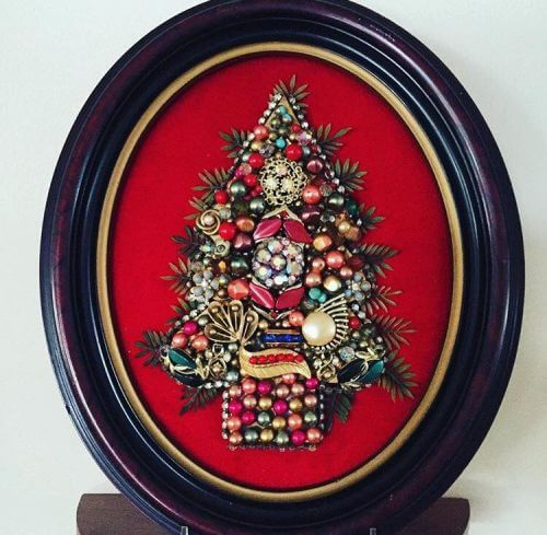 christmas-tree-made-from-costume-jewelry