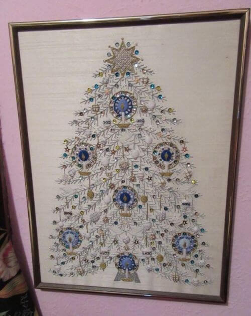 embroidered-christmas-tree