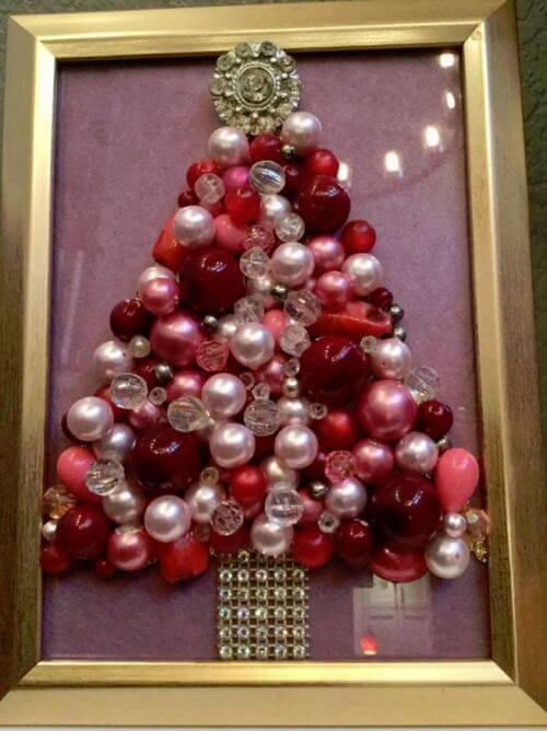 vintage-costume-jewelry-christmas-tree