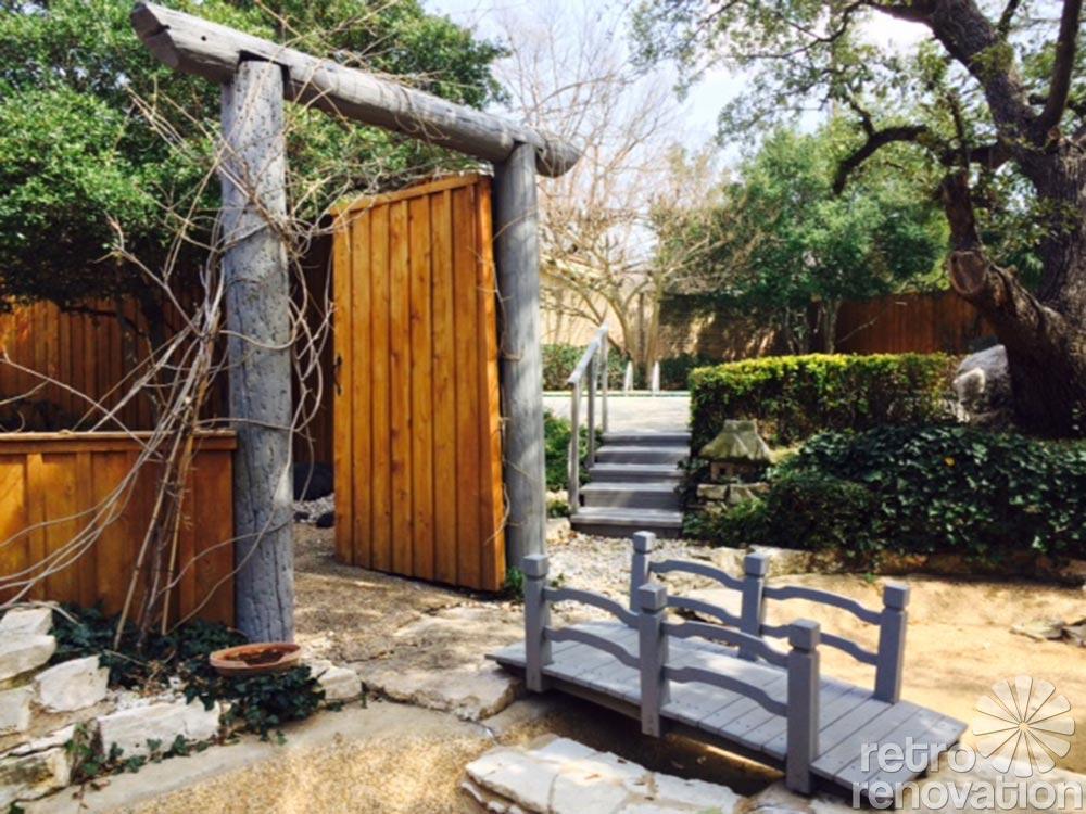 Luxurious asian decor 1962 time capsule house 24 photos for Garden gateway