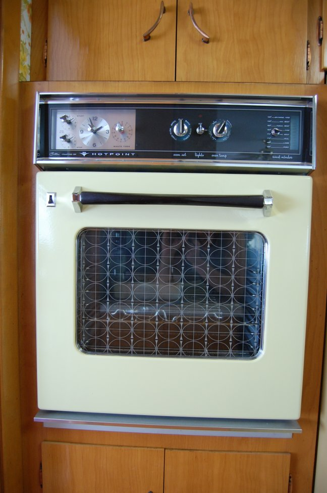 Split level ovens